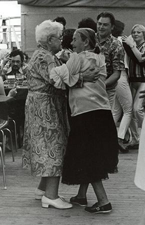 Tanzende 2, 1983